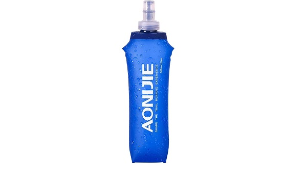 Botella plegable y reutilizable con tapón