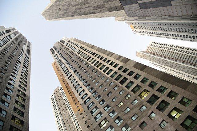 de grands immeubles à louer